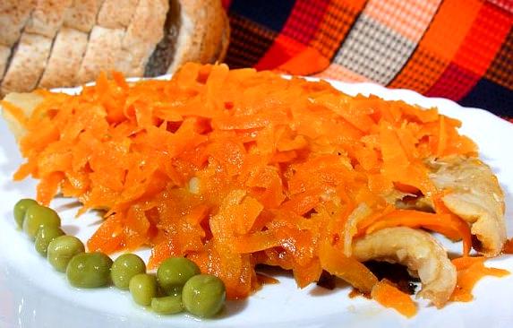 Рыба с имбирем и морковью