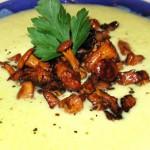 Суп-пюре из кабачков с лисичками
