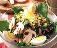 Салат с беконом и шпинатом