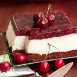Диетический торт с йогуртовым муссом и черешневым желе 212 ккал