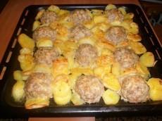 Мясные ежики с картошкой и сыром фото