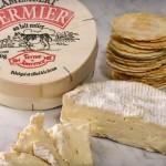 Камамбер — мягкий сыр с белой плесенью