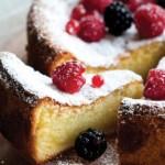 Цитрусовый торт со свежими ягодами