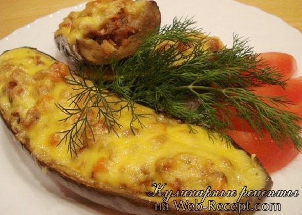 Печеный баклажан с шампиньонами и овощами фото