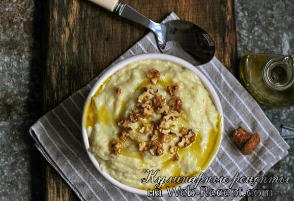 Пюре из сельдерея с трюфельным маслом и грецкими орехами фото