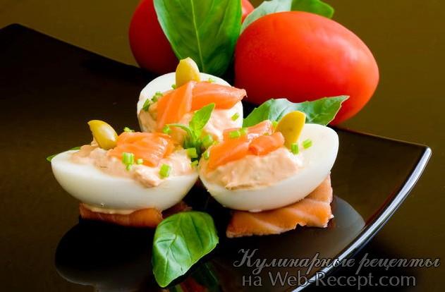 Яйца фаршированные лососем фото