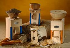 Кофемолки электрические и ручные фото