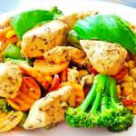 Маринованная курица с овощами