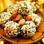 Домашние конфеты из миндаля и фиников