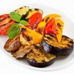 Копчение мяса и овощей в домашней коптильне