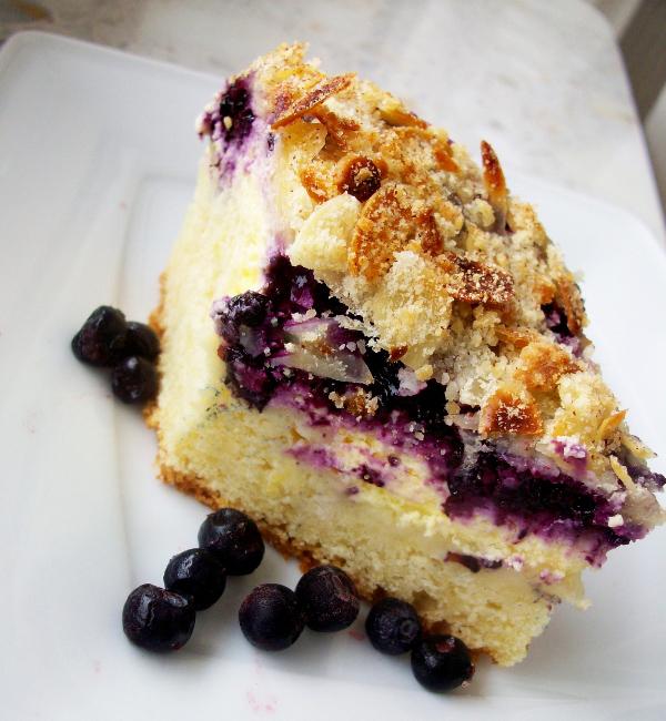 Пирог с сыром и черникой, фото