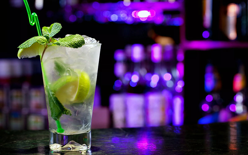 Приготовление алкогольных коктейлей